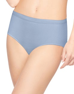 Hanes Women's Ultra Light Brief 4-Pack